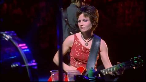 The Cranberries - Zombie HD LIVE In Paris - YouTube