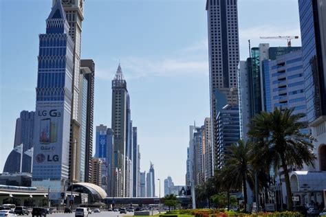 Sheikh Zayed Road Guide | Propsearch
