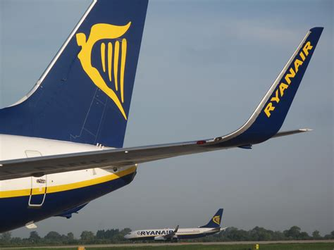 Ryanair offers £9 'rescue fares' to passengers after Aer
