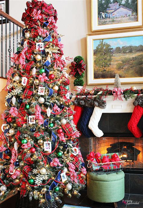 Traditional Plaid Christmas Tree Decorations - A holiday