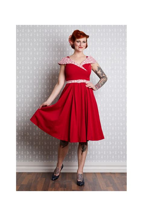 Robe pinup retro rouge années 50
